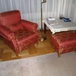 Domicil-Sessel mit Hocker