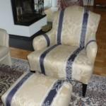 1 Sessel mit Hocker